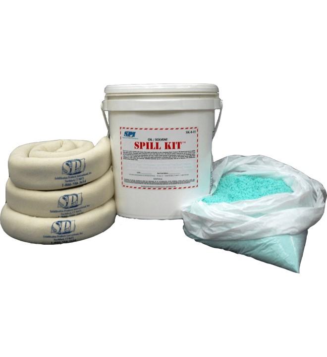 Le kit d'absorption composé des coussins OIL BOND et d'un sac de particules de solidification