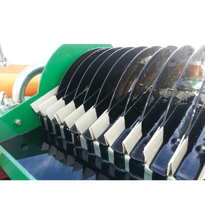 GRINTEC® selective skimmer for harvesting hydrocarbons separately from water