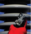 Vaporisation du revêtement silicone 570™ HVIC de MIDSUN® sur un isolateur haute tension