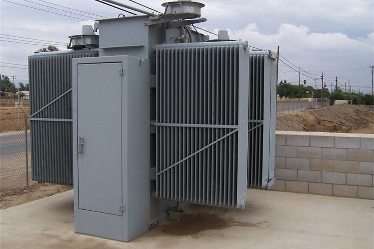 Dielectric oil leakage below transformer not being equipped with retention bund retention pit or tank SANERGRID in the substation and water drainage system with oil interceptor in offset pit
